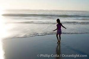 Child on the beach. Ponto, Carlsbad, California, USA, natural history stock photograph, photo id 14463