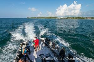 Dive Boat, Ocean Frontiers dive resort, Grand Cayman Island