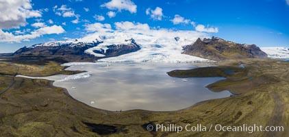 Fjallsárlón glacial lagoon in Iceland, Fjalls�rl�n