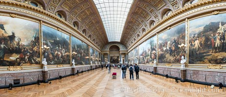 Gallery in Chateau de Versailles, Paris