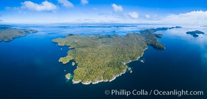 Hurst Island and Gods Pocket Provincial Park, aerial photo. Gods Pocket Provincial Park, Vancouver Island, British Columbia, Canada, natural history stock photograph, photo id 34489