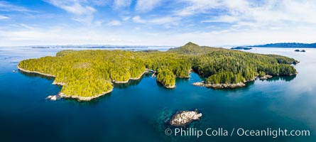 Hurst Island and Gods Pocket Provincial Park, aerial photo. British Columbia, Canada, natural history stock photograph, photo id 35285