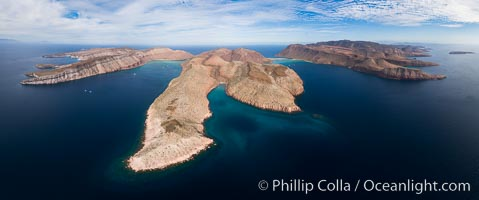 Isla Partida aerial panorama, Ensenada el Cardonal (left), Ensenada de la Partida (right), El Cardoncito (bottom)
