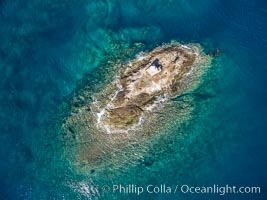 La Reina Lighthouse Reef, Sea of Cortez, aerial photo. La Reina, Baja California, Mexico, natural history stock photograph, photo id 32373