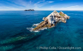 Middle Coronado Island, aerial photo. Coronado Islands (Islas Coronado), Baja California, Mexico, natural history stock photograph, photo id 35084