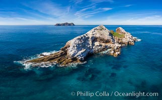 Middle Coronado Rock Island, aerial photo, Coronado Islands (Islas Coronado)