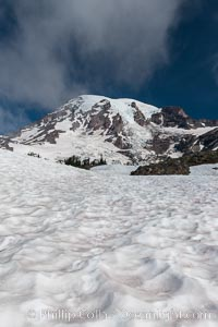Mount Rainier, southern exposure viewed from High Skyline Trail near Paradise Meadows. Mount Rainier National Park, Washington, USA, natural history stock photograph, photo id 28709