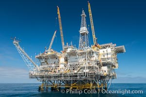Oil Rig Eureka, 8.5 miles off Long Beach, California, lies in 720' of water. Long Beach, California, USA, natural history stock photograph, photo id 31093