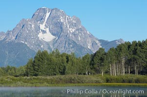 Mount Moran rises above the Snake River at Oxbow Bend. Oxbow Bend, Grand Teton National Park, Wyoming, USA, natural history stock photograph, photo id 13025