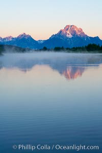 Mount Moran rises above the Snake River at Oxbow Bend. Oxbow Bend, Grand Teton National Park, Wyoming, USA, natural history stock photograph, photo id 13031