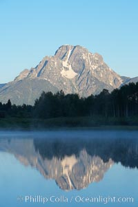 Mount Moran rises above the Snake River at Oxbow Bend. Oxbow Bend, Grand Teton National Park, Wyoming, USA, natural history stock photograph, photo id 13032
