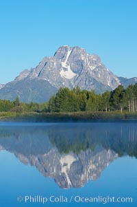 Mount Moran rises above the Snake River at Oxbow Bend. Oxbow Bend, Grand Teton National Park, Wyoming, USA, natural history stock photograph, photo id 13033