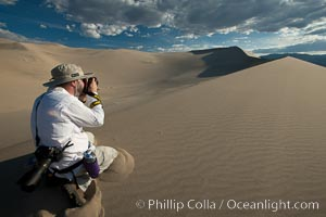 Photographer at Eureka Valley Sand Dunes. Eureka Dunes, Death Valley National Park, California, USA, natural history stock photograph, photo id 25373