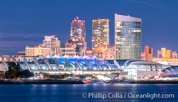San Diego Convention Center and its waterfront at Night