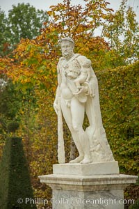 Statue, Chateau de Versailles. Chateau de Versailles, Paris, France, natural history stock photograph, photo id 28251
