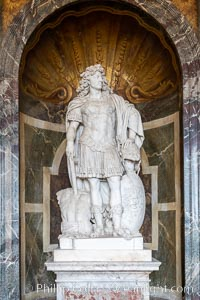 Statue, Chateau de Versailles, Paris. France, natural history stock photograph, photo id 35670