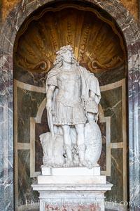 Statue, Chateau de Versailles, Paris