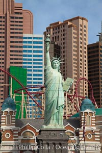 Statue of Liberty, replica, in front of New York New York hotel in Las Vegas. Las Vegas, Nevada, USA, natural history stock photograph, photo id 25217