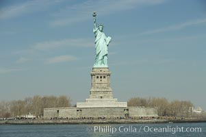The Statue of Liberty, New York Harbor. Statue of Liberty National Monument, New York City, USA, natural history stock photograph, photo id 11087