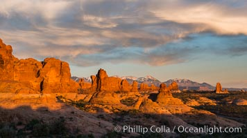 Sunset over Garden of the Gods, Arches National Park. Utah, USA, natural history stock photograph, photo id 29262