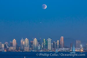 Supermoon Eclipse at Moonrise over San Diego, September 27 2015., natural history stock photograph, photo id 31873