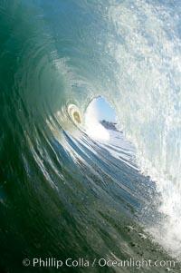 Breaking wave, tube, hollow barrel, morning surf