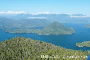 Flores Island (foreground) and Clayoquot Sound, aerial photo, near Tofino on the west coast of Vancouver Island