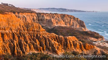 Torrey Pines Cliffs and Pacific Ocean, Razor Point view to La Jolla, San Diego, California. Torrey Pines State Reserve, San Diego, California, USA, natural history stock photograph, photo id 28495