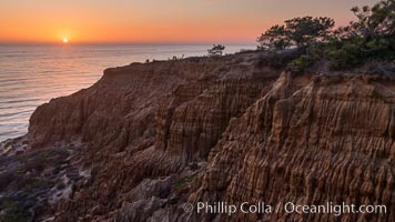 Torrey Pines Cliffs and Pacific Ocean, Razor Point view to La Jolla, San Diego, California. Torrey Pines State Reserve, San Diego, California, USA, natural history stock photograph, photo id 28496