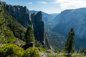 View of Yosemite Valley toward the west from the Four Mile Trail, Yosemite National Park