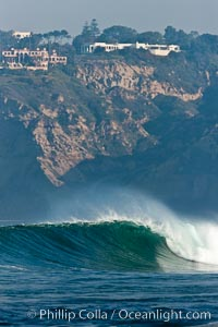 Boomer Beach wave and Black's Beach sea cliffs, La Jolla, California