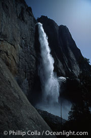 Upper Yosemite Falls, Yosemite Falls, copyright Phillip Colla Natural History Photography, www.oceanlight.com, image #05468, all rights reserved worldwide.