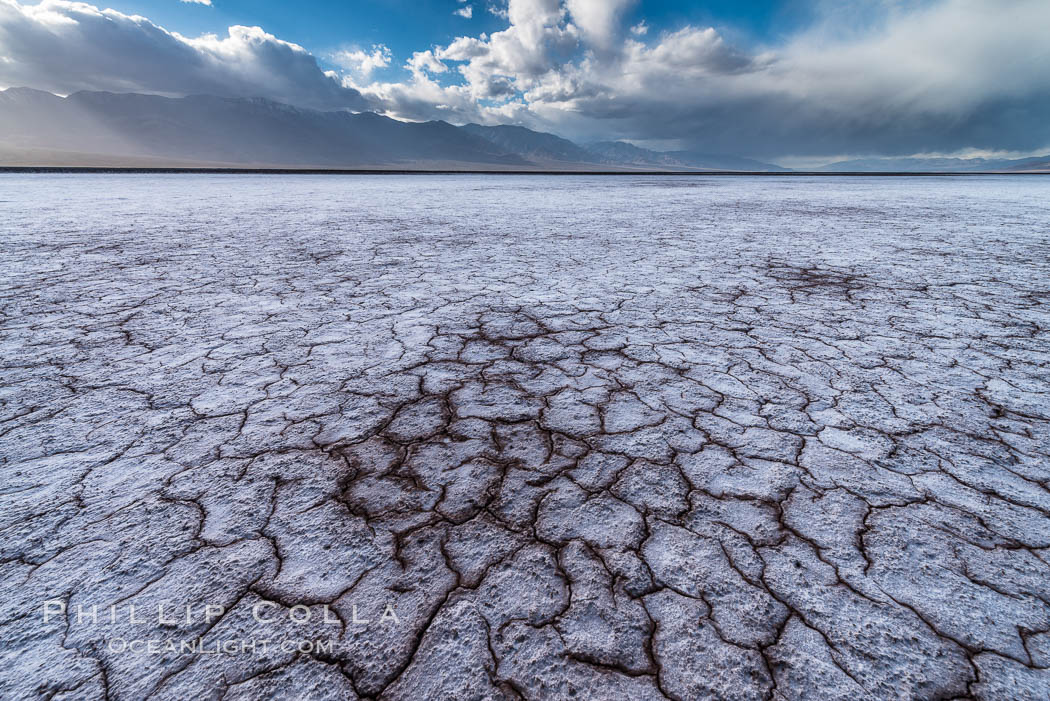 Erosion in the salt patterns of Badwater Playa, Death Valley National Park. Badwater, Death Valley National Park, California, USA, natural history stock photograph, photo id 30472