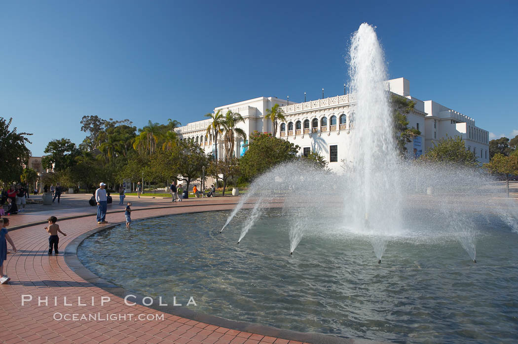 The Bea Evenson Foundation is the centerpiece of the Plaza de Balboa in Balboa Park, San Diego.  The San Diego Natural History Museum is seen in the background. Balboa Park, San Diego, California, USA, natural history stock photograph, photo id 14593