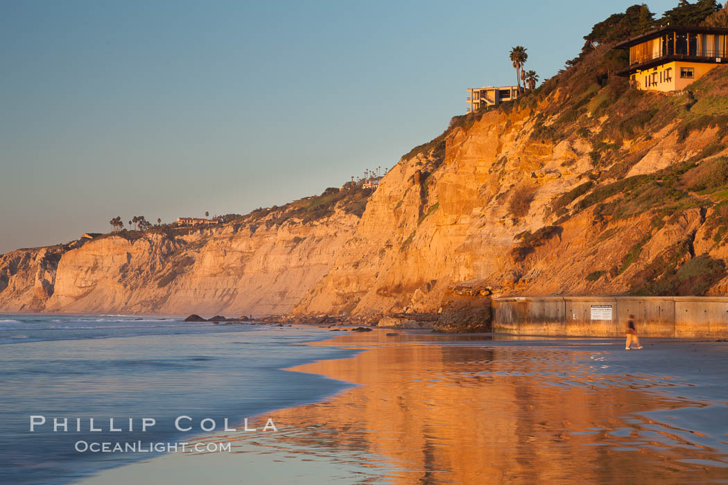 Seacliffs at sunset, viewed from SIO towards Black's Beach and on to Torrey Pines State Reserve. Scripps Institution of Oceanography, La Jolla, California, USA, natural history stock photograph, photo id 26538