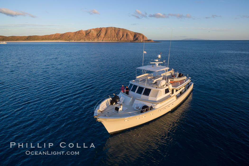 Boat Ambar III near Isla San Francisquito, Sea of Cortez. Isla San Francisquito, Baja California, Mexico, natural history stock photograph, photo id 32442