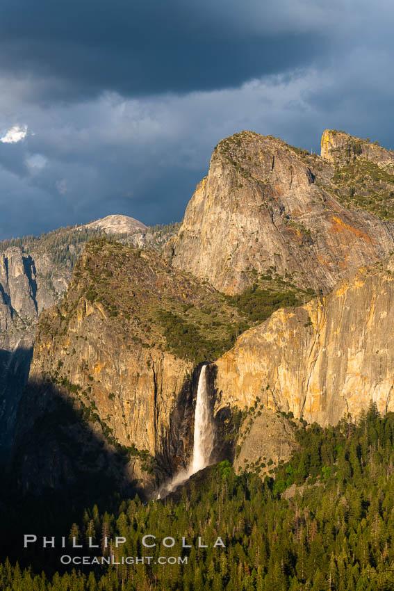 Bridalveil Falls and Cathedral Rocks, Sunset, Yosemite National Park. Bridalveil Falls, Yosemite National Park, California, USA, natural history stock photograph, photo id 34544