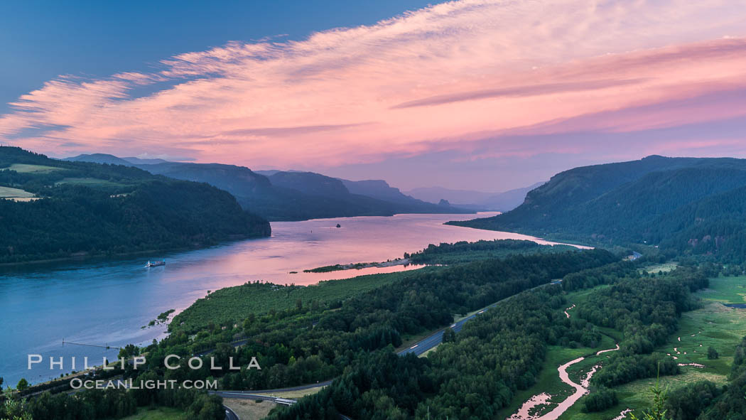 Columbia River viewed from Crown Point, sunset. Crown Point, Columbia River Gorge National Scenic Area, Oregon, USA, natural history stock photograph, photo id 28674