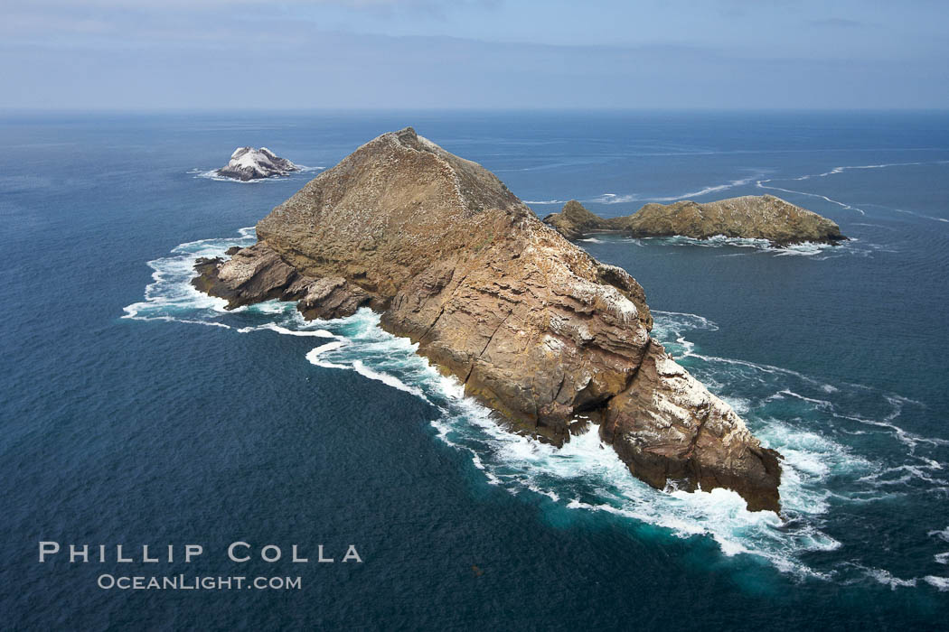 Middle Coronado Island, viewed from the south. Coronado Islands (Islas Coronado), Baja California, Mexico, natural history stock photograph, photo id 21322
