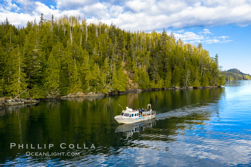 Dive Boat Hurst Island, Browning Pass, Canada, aerial photo
