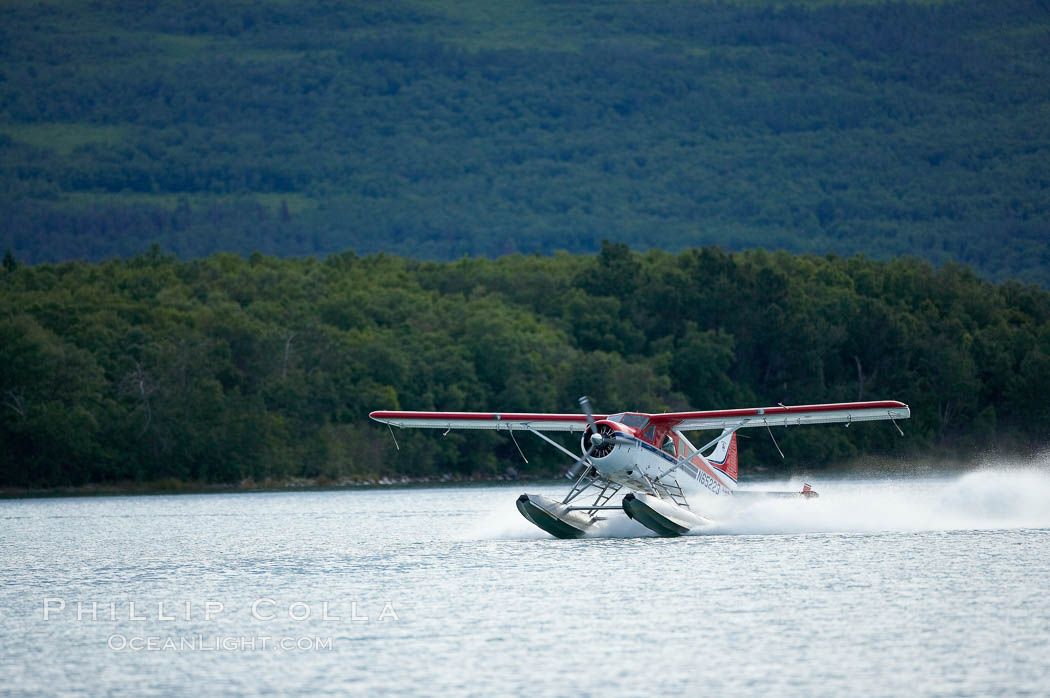 Floatplane landing on Brooks Lake. Katmai National Park, Alaska, USA, natural history stock photograph, photo id 17373