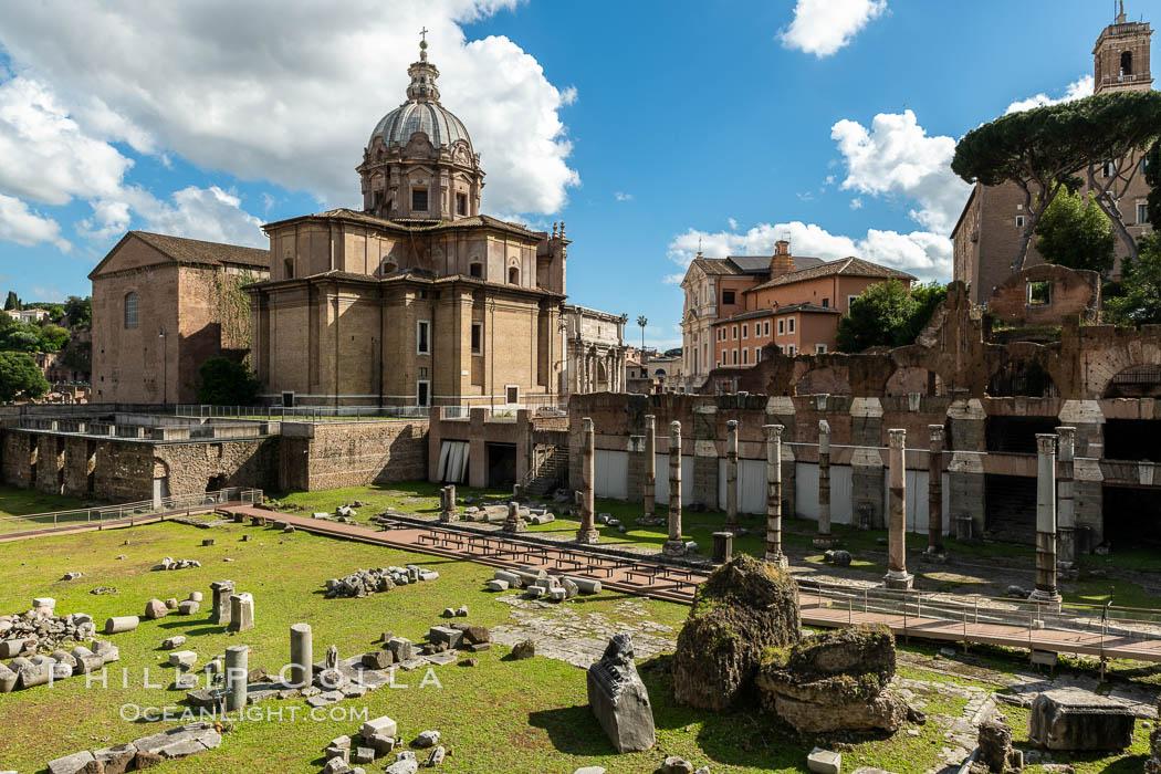 Foro di Cesare, Forum of Caesar, Rome. Forum, Rome, Italy, natural history stock photograph, photo id 35572
