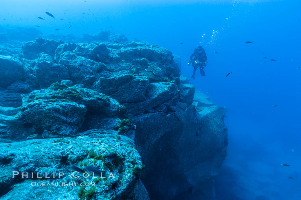 Granite structures form the underwater reef at Abalone Point. Guadalupe Island (Isla Guadalupe), Baja California, Mexico, natural history stock photograph, photo id 09542