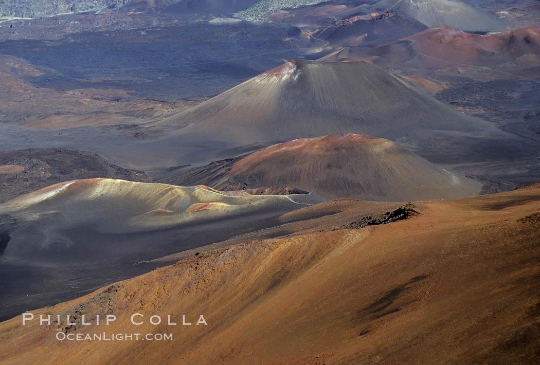 Image 05594, Haleakala volcano crater. Maui, Hawaii, USA, Phillip Colla, all rights reserved worldwide. Keywords: haleakala national park, hawaii, hawaiian islands, landscape, maui, national parks, nature, oceans, outdoors, outside, pacific, scene, scenic, usa, volcano.