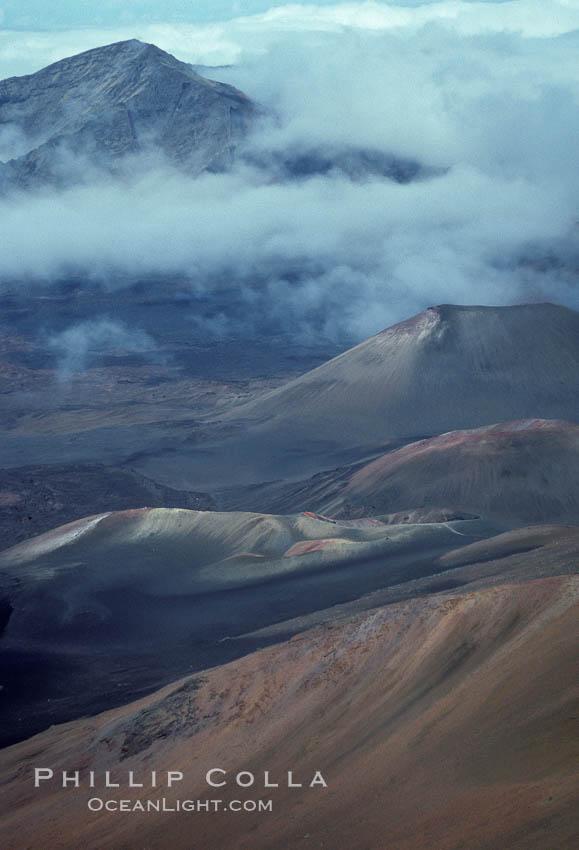 Haleakala volcano crater. Maui, Hawaii, USA, natural history stock photograph, photo id 05598