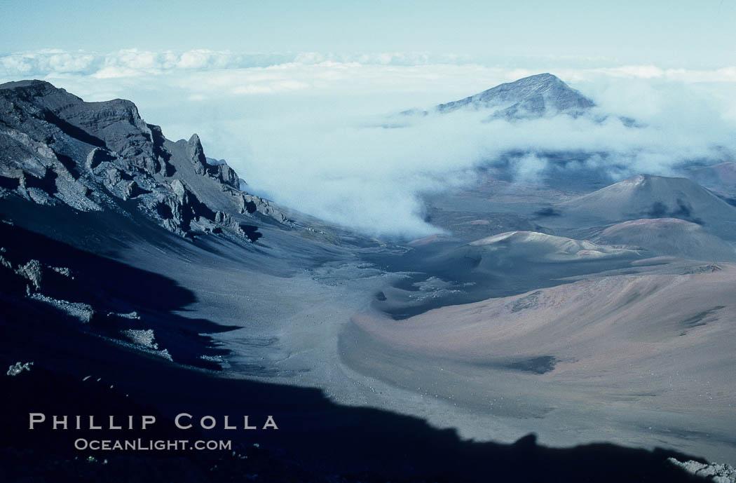 Haleakala volcano crater. Maui, Hawaii, USA, natural history stock photograph, photo id 05596