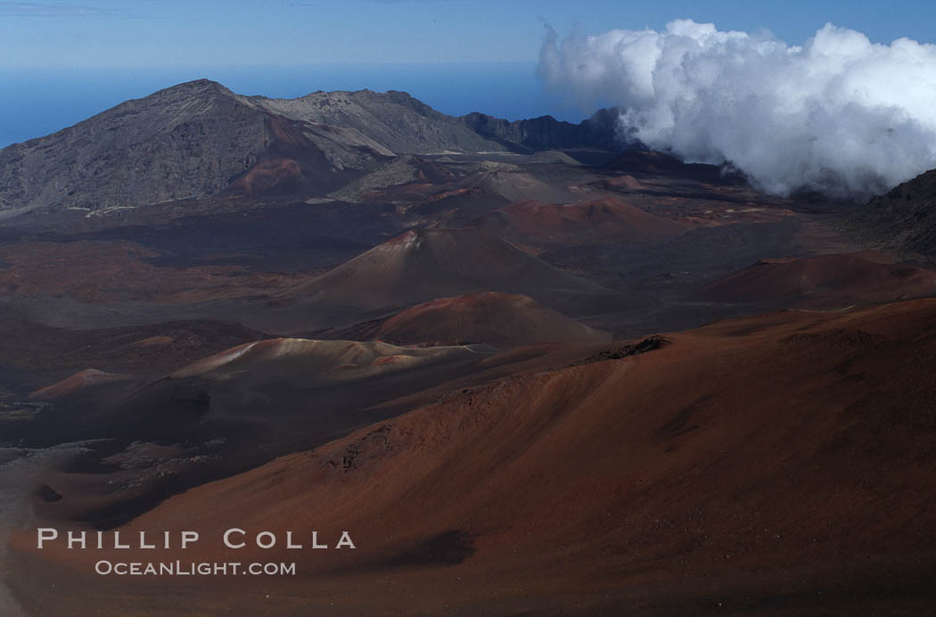 Haleakala volcano crater. Maui, Hawaii, USA, natural history stock photograph, photo id 05601