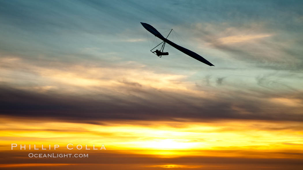 Hang Glider soaring at Torrey Pines Gliderport, sunset, flying over the Pacific Ocean. La Jolla, California, USA, natural history stock photograph, photo id 24291
