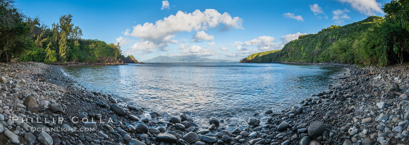 Honolua Bay in West Maui with Molokai in the distance, Maui, Hawaii. USA, natural history stock photograph, photo id 34527
