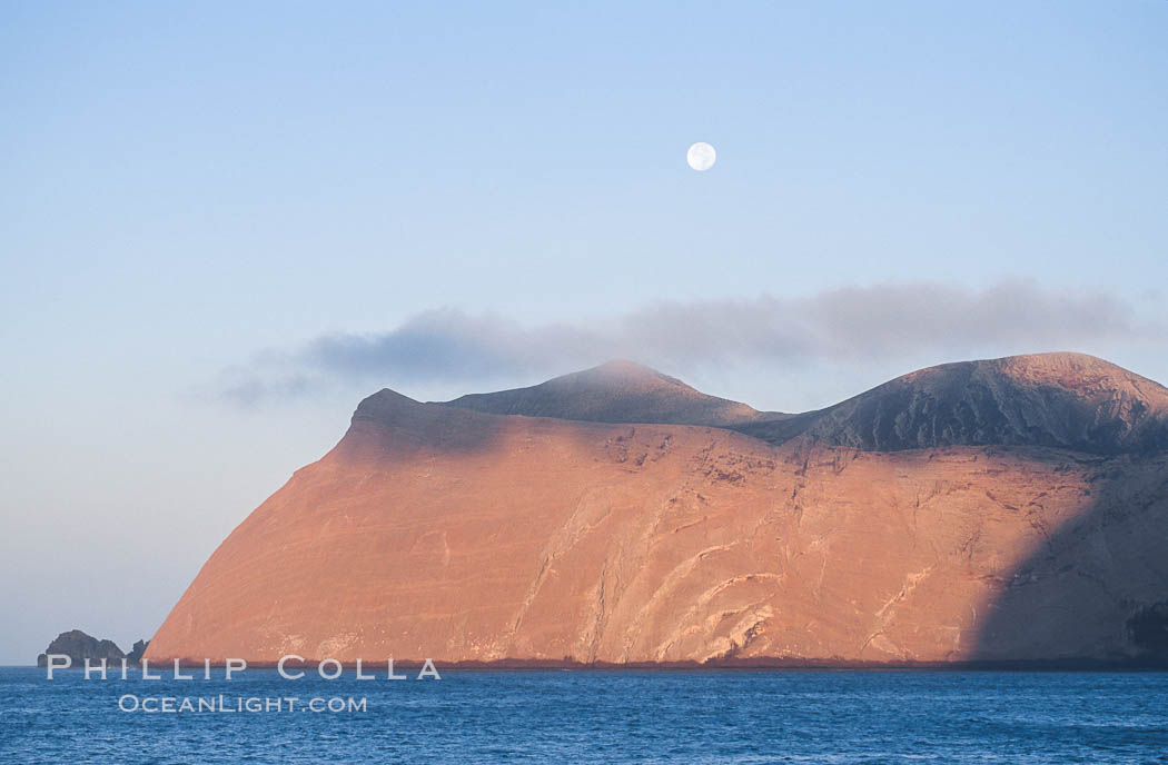 Isla Adentro and setting moon, daybreak. Guadalupe Island (Isla Guadalupe), Baja California, Mexico, natural history stock photograph, photo id 06148